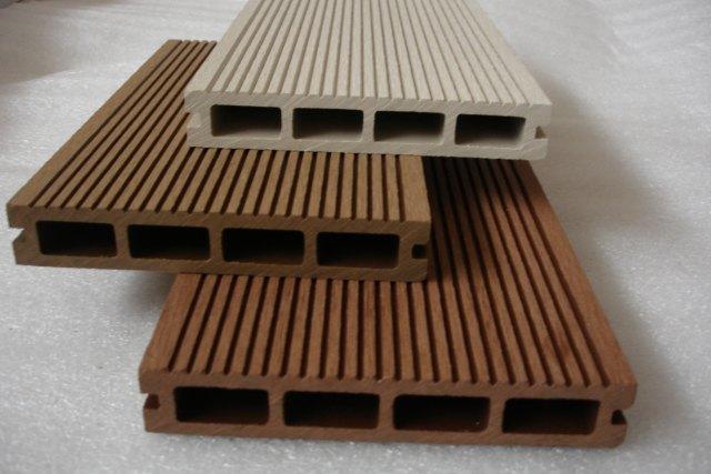 Wpc pavimenti in legno per esterno